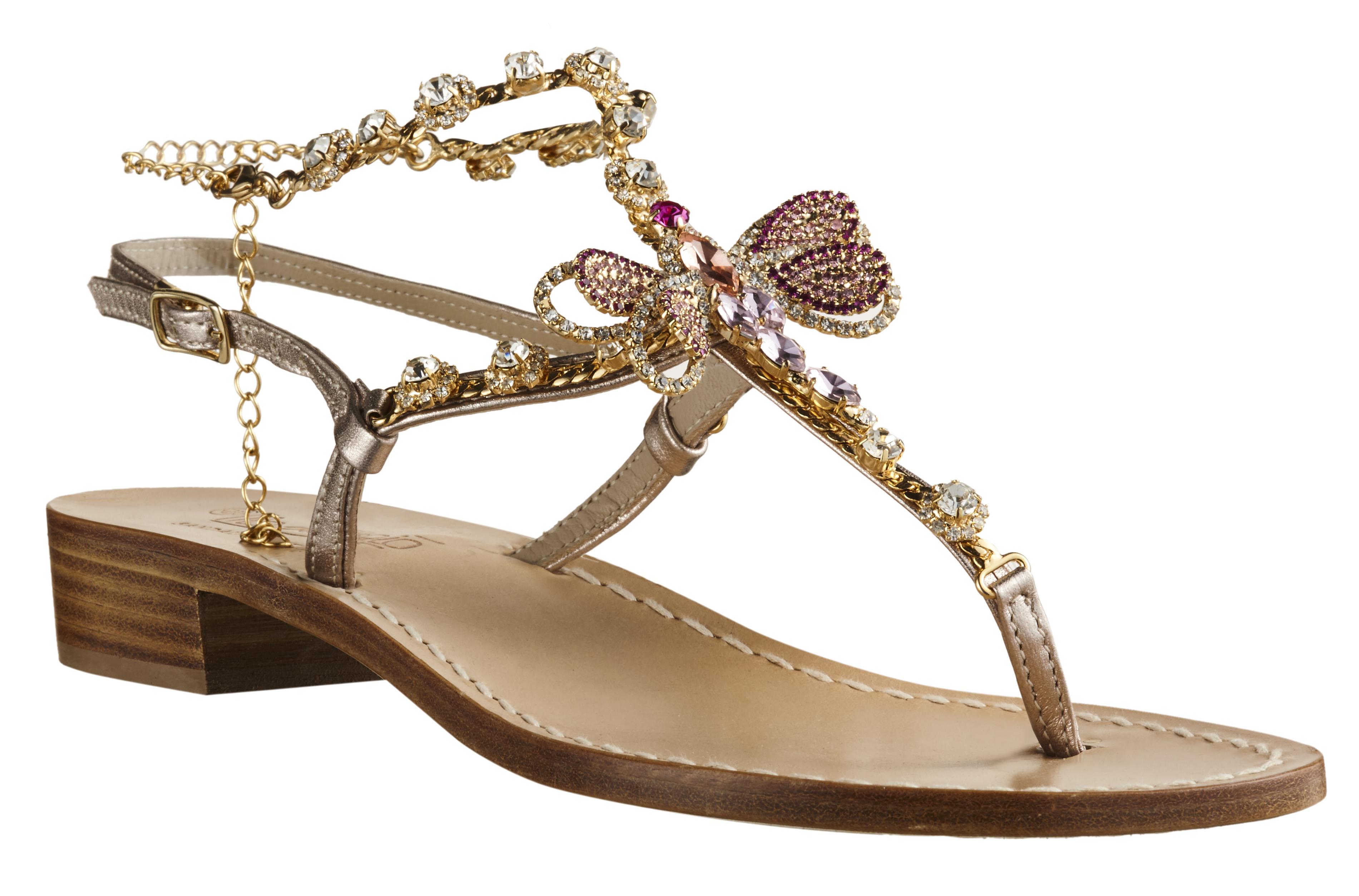 """I """"sandali della vita"""" per le onlus"""